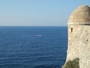 Blick aufs Meer von der Festung in Rethymno (Kreta): Könnte Scylla, das mythologische Ungeheuer, einen ähnlichen Ausblick genießen?